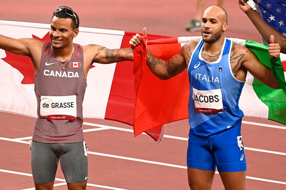 Le Canadien Andre De Grasse (à gauche) a remporté le bronze au 100m masculin, alors que l'Italien Marcell Jacobs a remporté l'or.