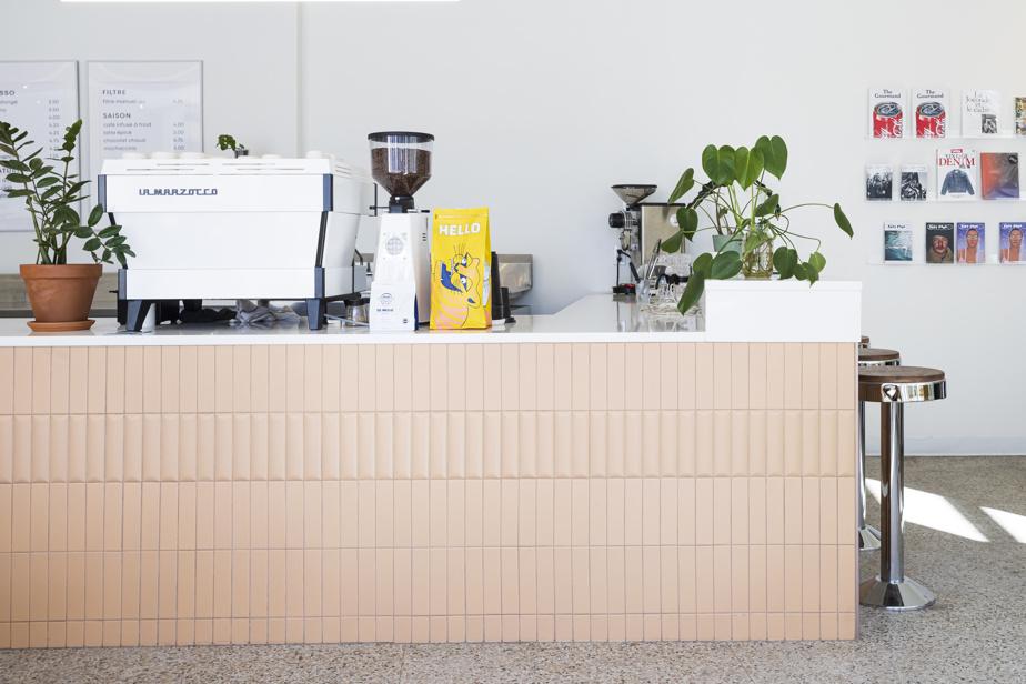 La Société des loisirs est à la fois un café, un disquaire et une presse artisanale.