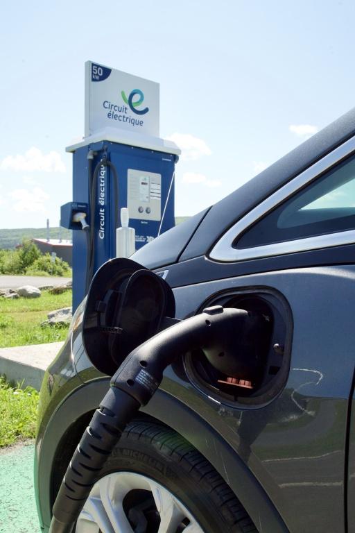 Le réseau de bornes publiques payantes du Circuit électrique, exploité par Hydro-Québec, compte maintenant près de 450 de ces bornes de 50kW.