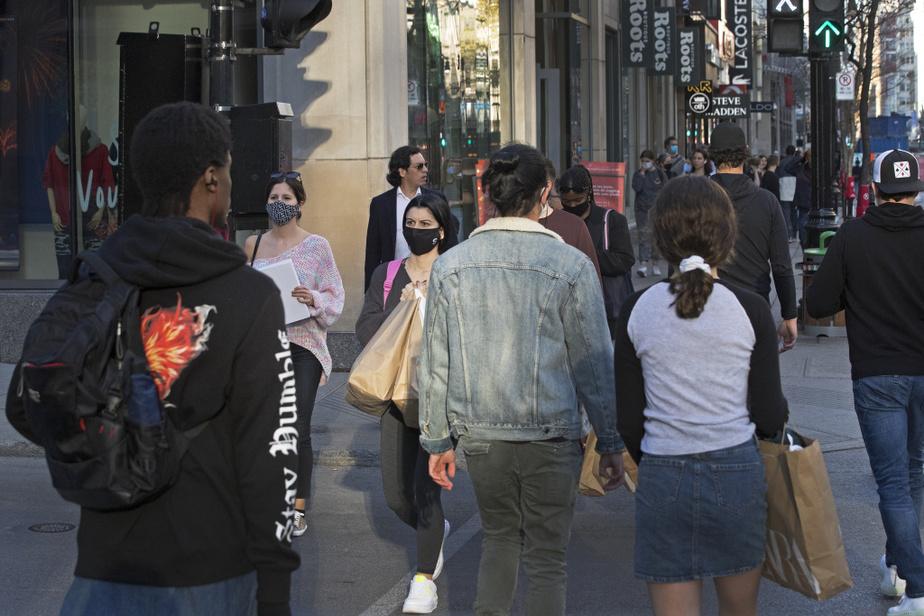 Choyés par cette météo digne d'un éternel printemps depuis quelques jours, quelques-un en ont même profité pour déambuler dans les rues en tenues légères.