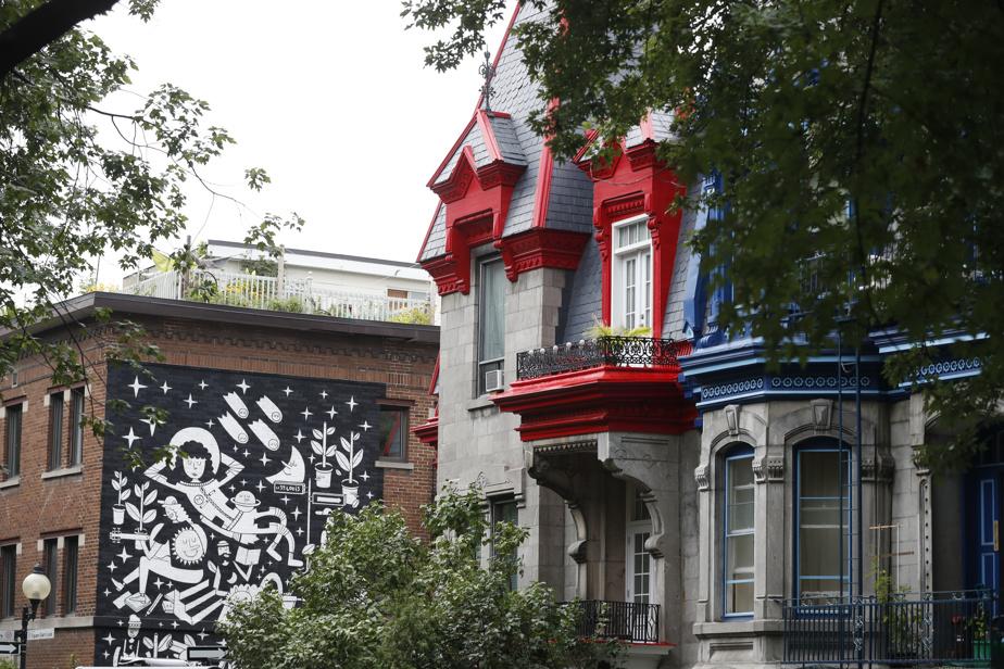 Des teintes vives, square Saint-Louis, à Montréal