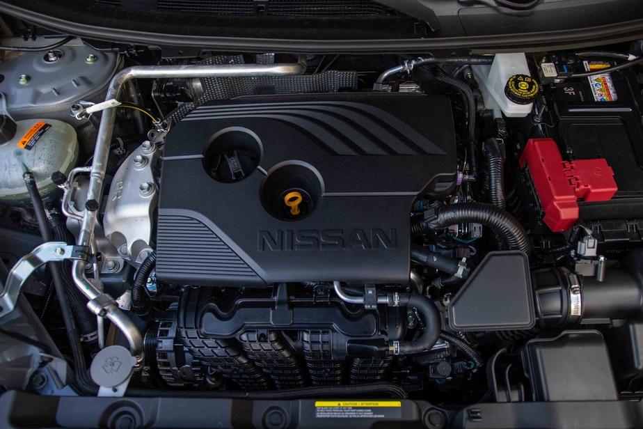 La cylindrée du Rogue est la même, mais ce moteur a été revisité des soupapes au carter et affiche un modeste gain de puissance (+6%) et de couple (+3%).