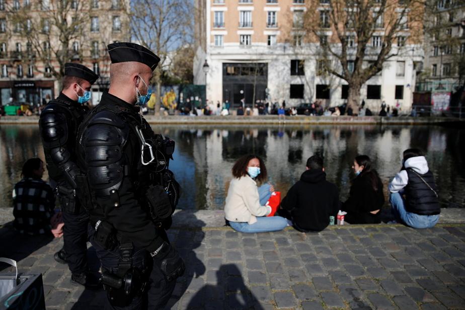 Quelque 6600agents de police ont été déployés dans Paris pour assurer le respect des mesures sanitaires.
