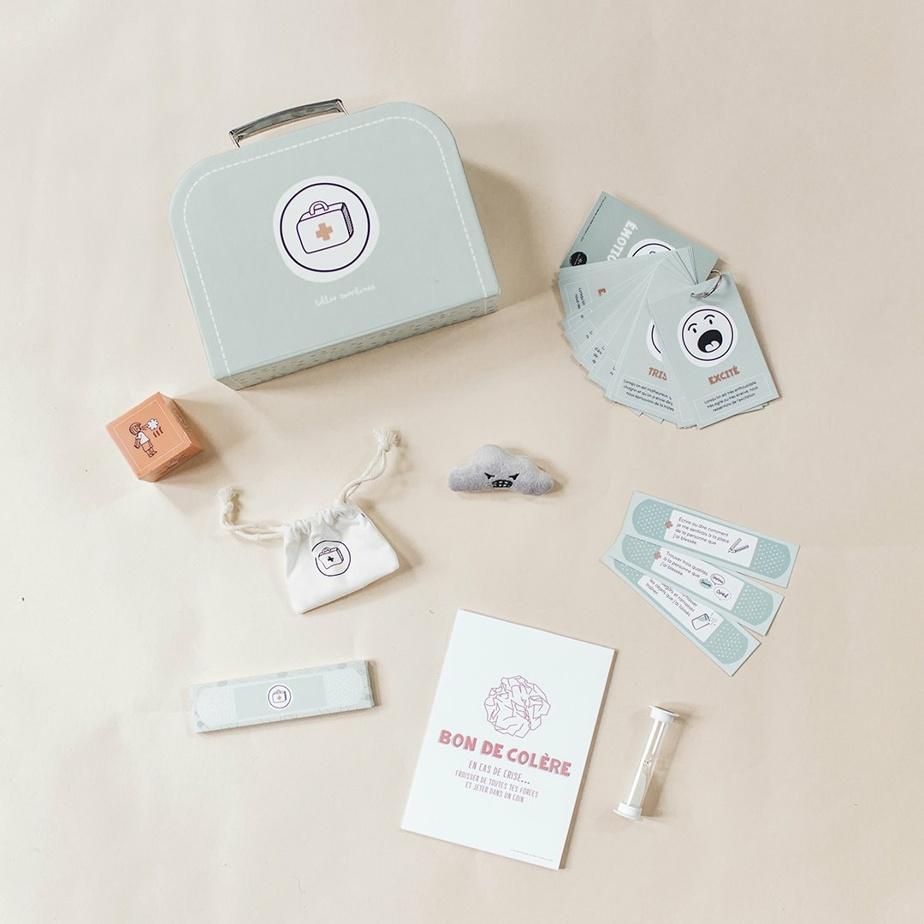 La très mignonne trousse de retour au calme aidera vos petits à retrouver leur calme grâce à divers objets et astuces.