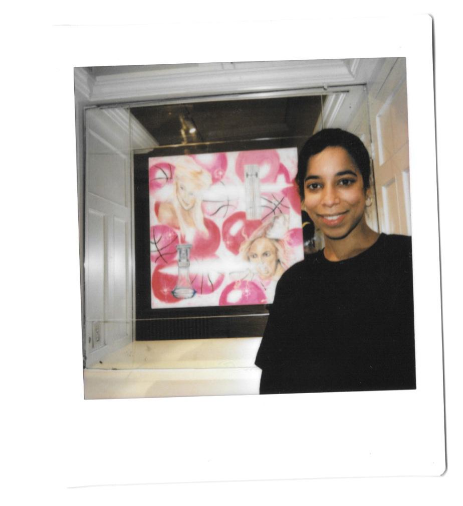 La commissaire de l'exposition, Caroline Douville, qui expose plusieurs œuvres sous le nom d'artiste Erzulie.