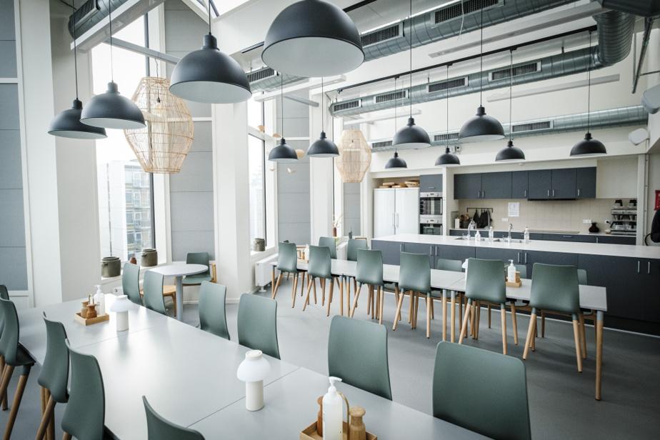 Plusieurs cuisines collectives et salons se trouvent un peu partout dans la Maison des générations pour inciter les habitants à se rencontrer.