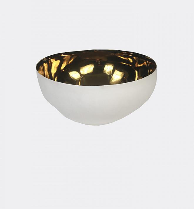Grand bol en plâtre fin avec intérieur en feuille d'or (250$)