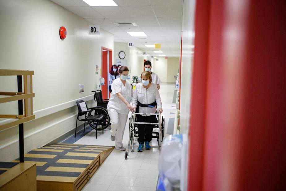 Avec la physiothérapeute Caroline Riendeau et l'ergothérapeute Guillaume Dumas