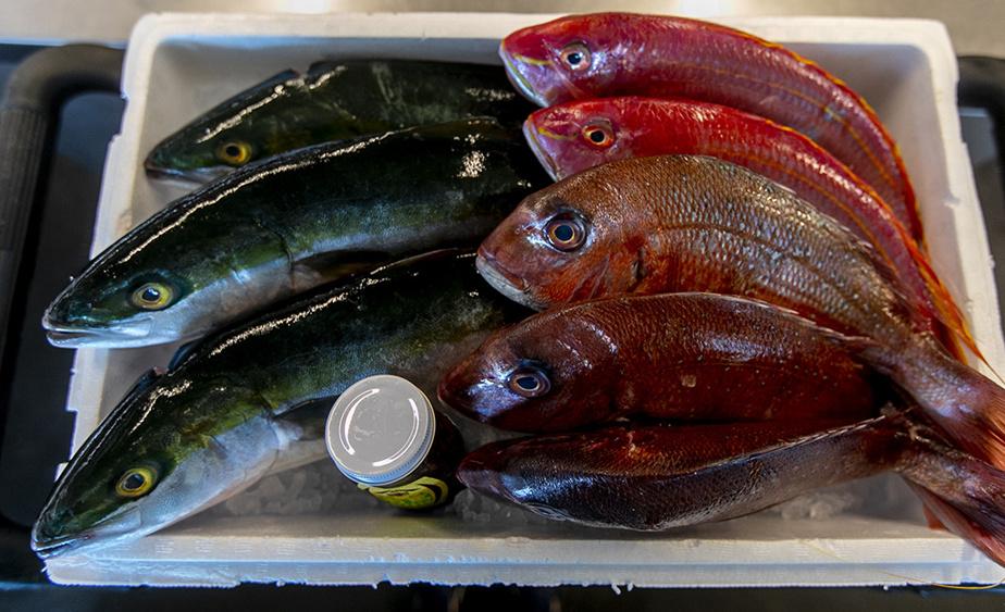 Ces magnifiques poissons du Japon ont été conservés avec la méthode ikejime, qui a pour effet de réduire le stress et la douleur du poisson et de mieux préserver ses qualités gustatives.