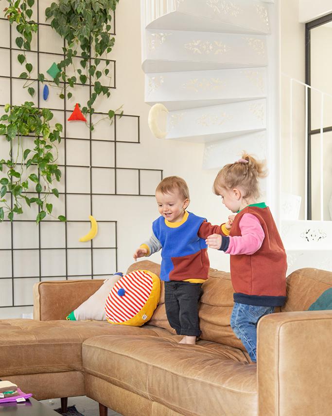 La marque propose aussi une sélection de chandails pour les enfants.