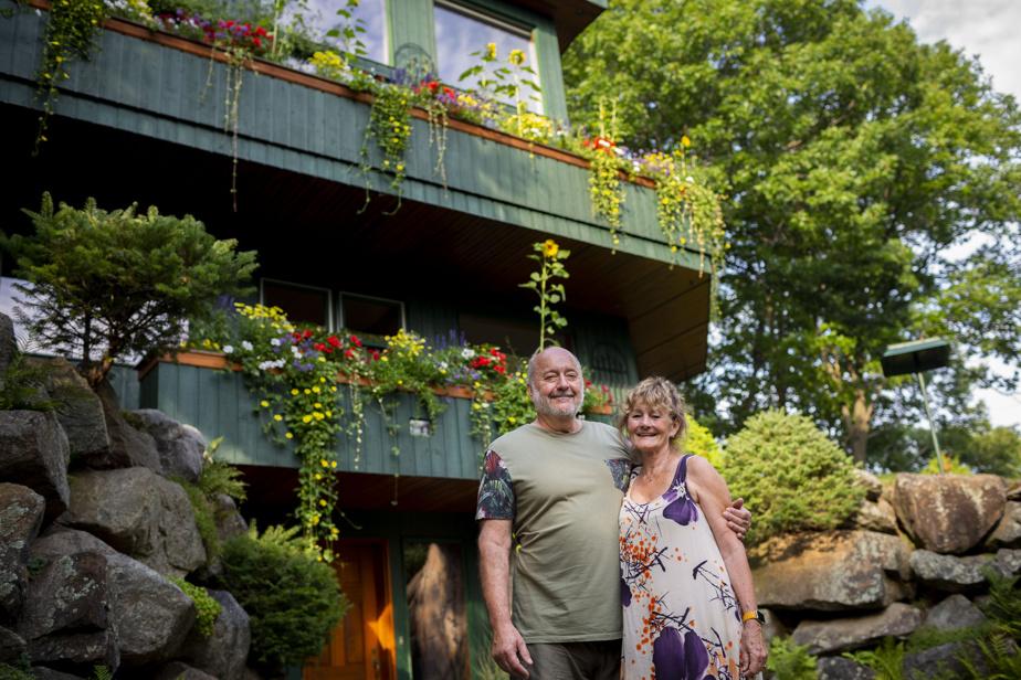 Nancie Landreville et Louis Vernier ont poursuivi leurs rêves. Ils ont parcouru le monde tout en construisant patiemment leur maison à Prévost.