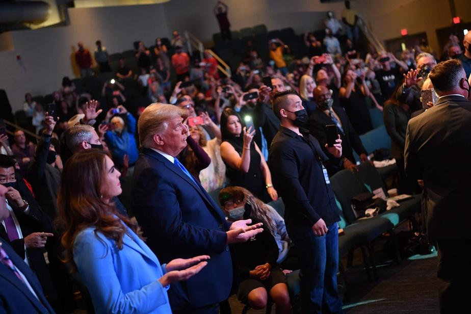 FRANCE-PRESSE Donald Trump a assisté à un service religieux à l'église International Church de Las Vegas au Nevada dimanche matin