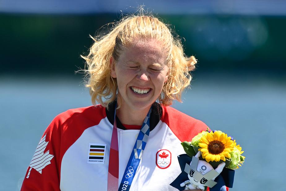 En canoë-kayak, la Québécoise Laurence Vincent Lapointe était tout sourire après avoir remporté l'argent du C1200m.