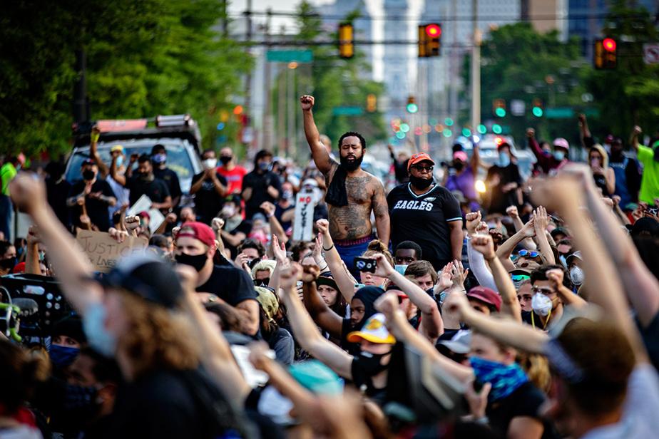3juin2020. Manifestation dans les rues de Philadelphie, à la suite de la mort de George Floyd lors d'une intervention policière.