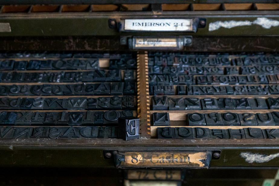 Des lettres en plomb pour assembler des mots qui seront ensuite imprimés.