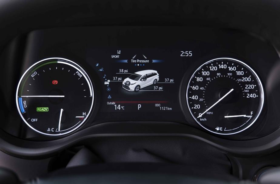 Selon les données de Toyota, cette fourgonnette consomme près de 40% moins de carburant que le modèle antérieur.