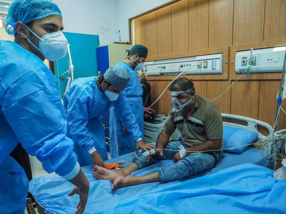 Mohammed Yusif Radhi in the intensive care unit of the Al-Kindi hospital
