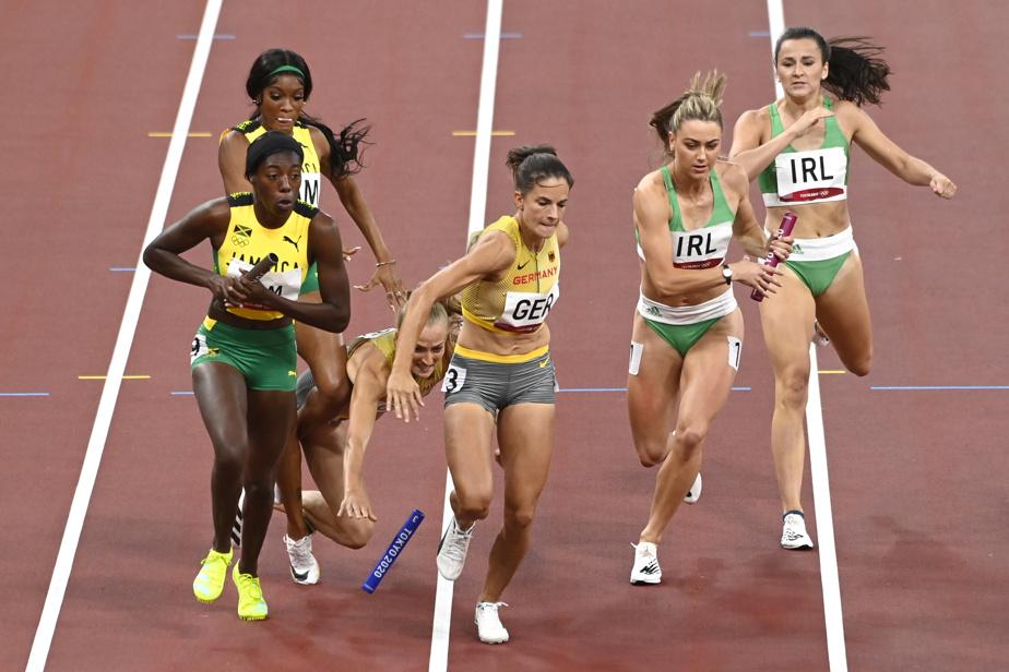 Aux Jeux olympiques, avec l'euphorie de la victoire vient aussi la douleur de la défaite. On voit clairement le moment où les coureuses de l'Allemagne ont laissé tomber le témoin.