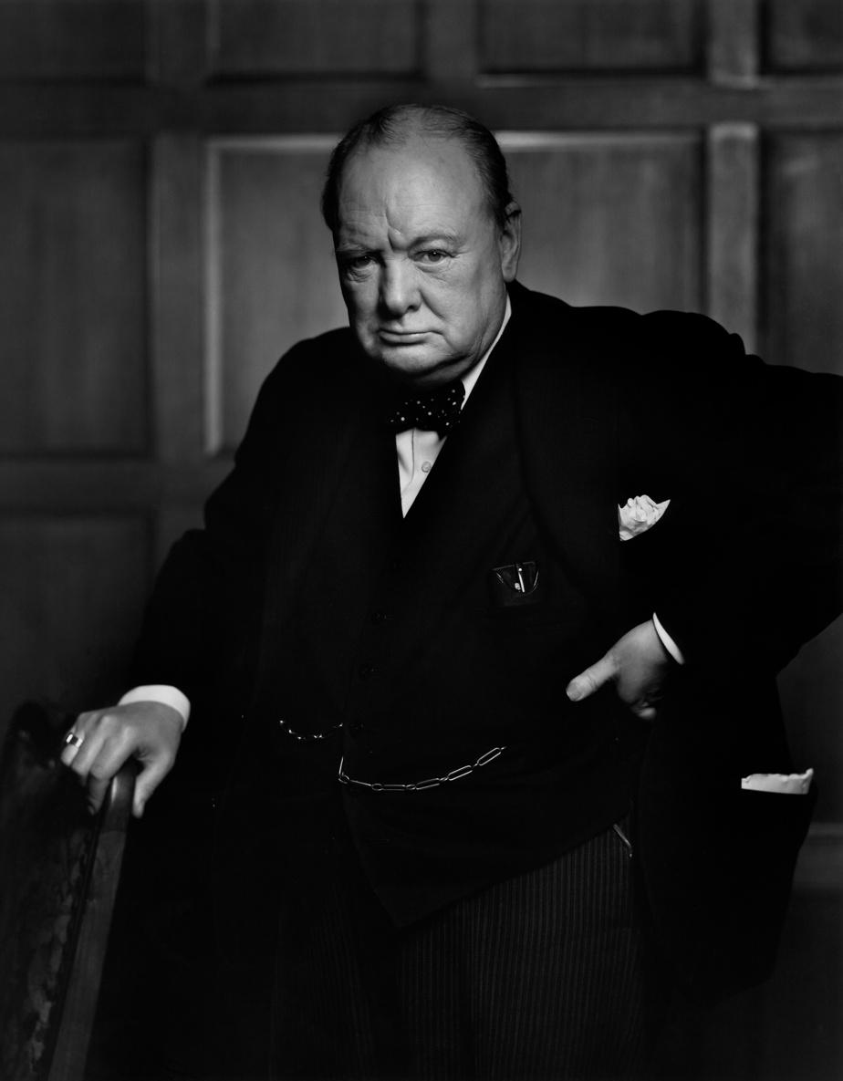 Winston Churchill, 1941, épreuve à la gélatine argentique, 60,9cm x 50,8cm. Don d'Estrellita Karsh à la mémoire de Yousuf Karsh.