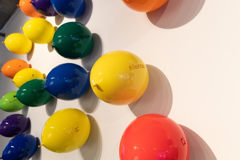 Les caprices du langage (détail), 2019, Michel Goulet, 64 ballons, polyuréthane, 4,57m x 2,86m