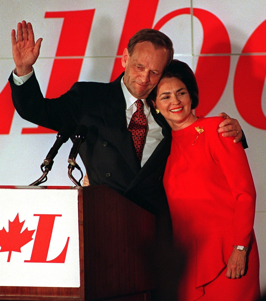 Jean et Aline Chrétien, lors de la victoire du Parti libéral du Canada à l'élection de 1993.