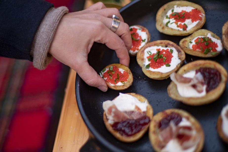 Des pelures de pommes de terre garnies, un classique du Midwest qui mérite sa place dans votre menu de Noël.