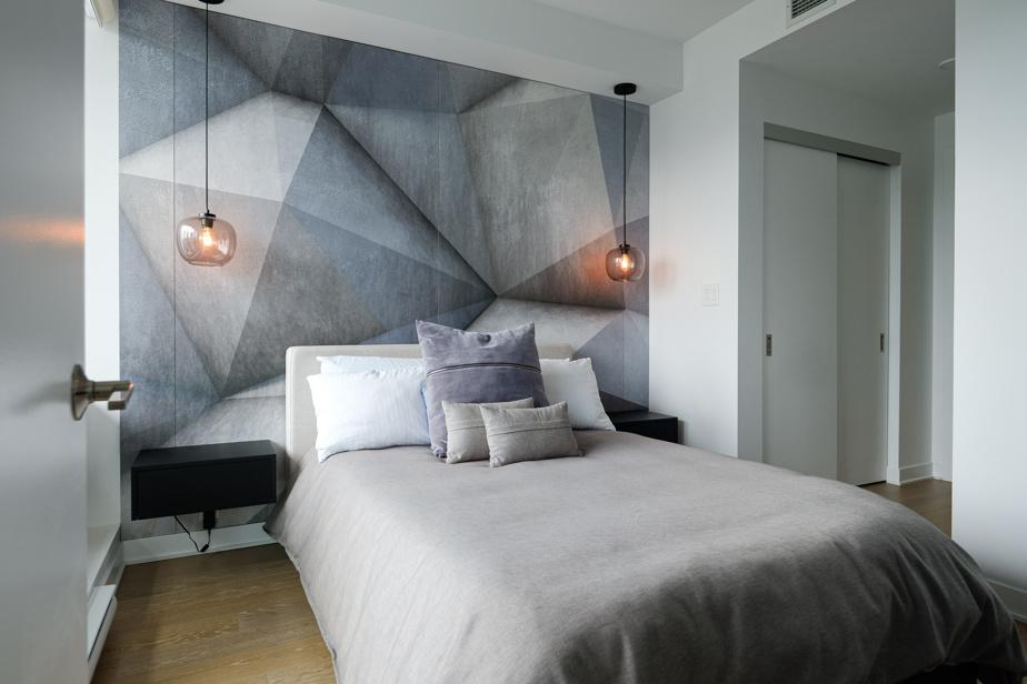 La designer d'intérieur Julie Primeau a tiré avantage des 600pi2 (55,7m2). Elle a pris en main la décoration et a conçu du mobilier sur mesure.