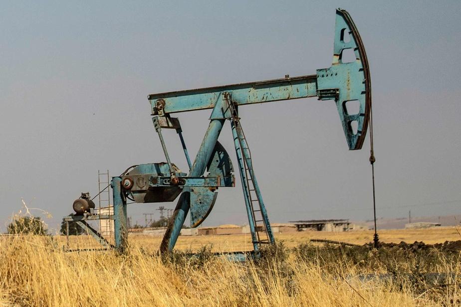 Le pétrole entame la semaine en forte hausse