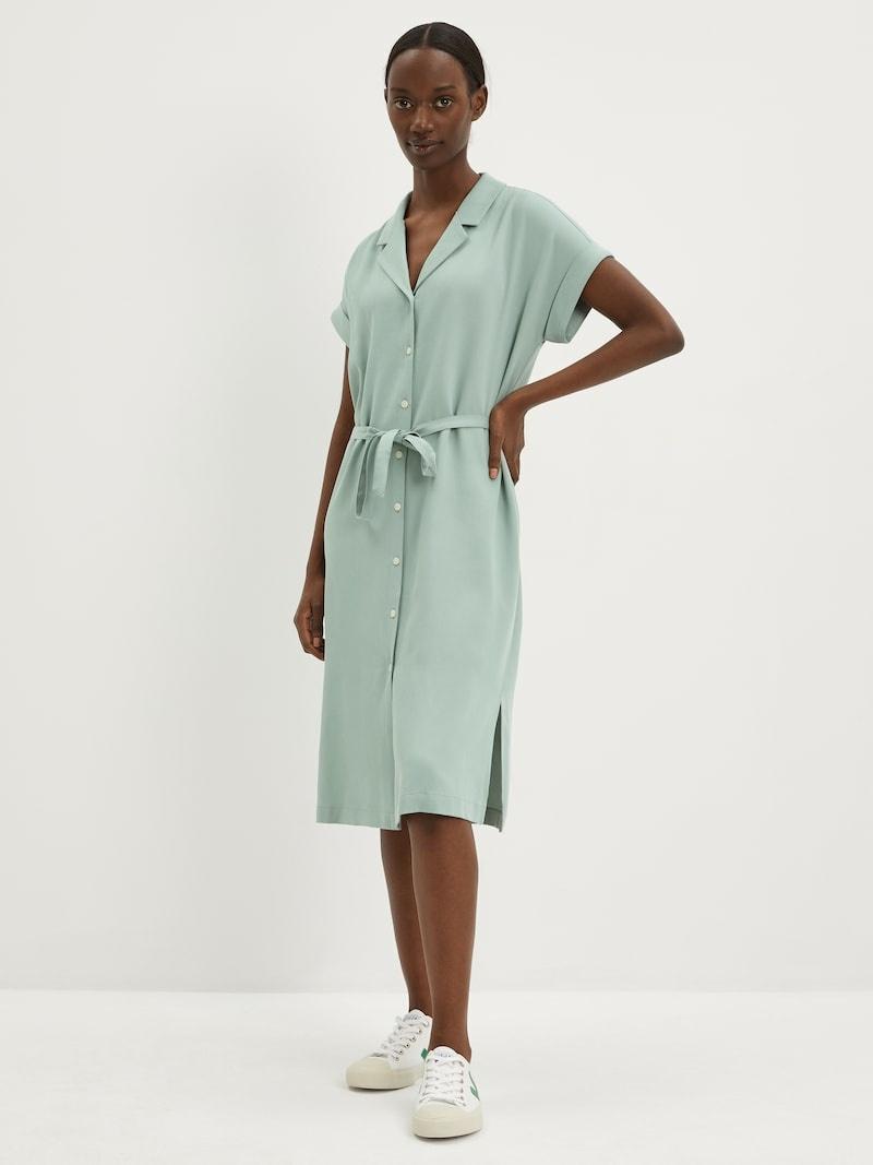 Robe vert tendre, 119$