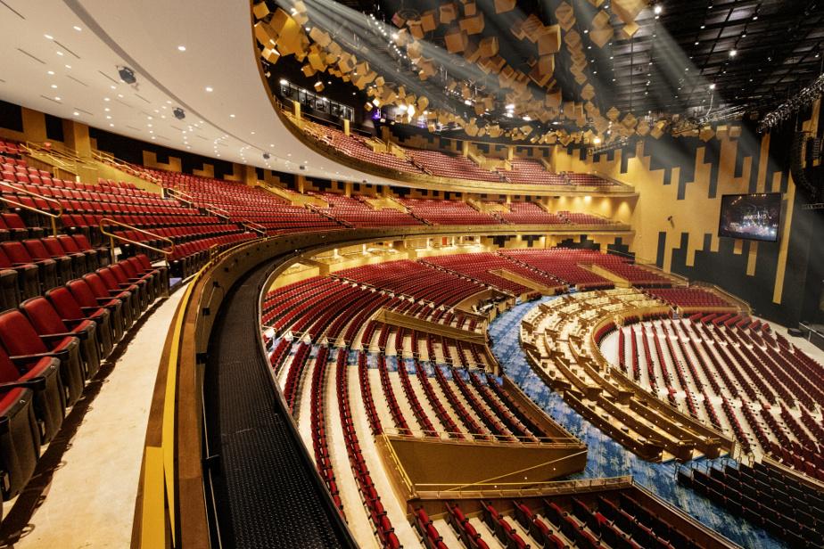 La gigantesque salle du Hard Rock Live Hollywood en Floride compte 6600places. Scéno Plus touche très rarement aux enveloppes des bâtiments: la plupart du temps, la salle de spectacles communique de l'intérieur aveclecasino et son complexe hôtelier.