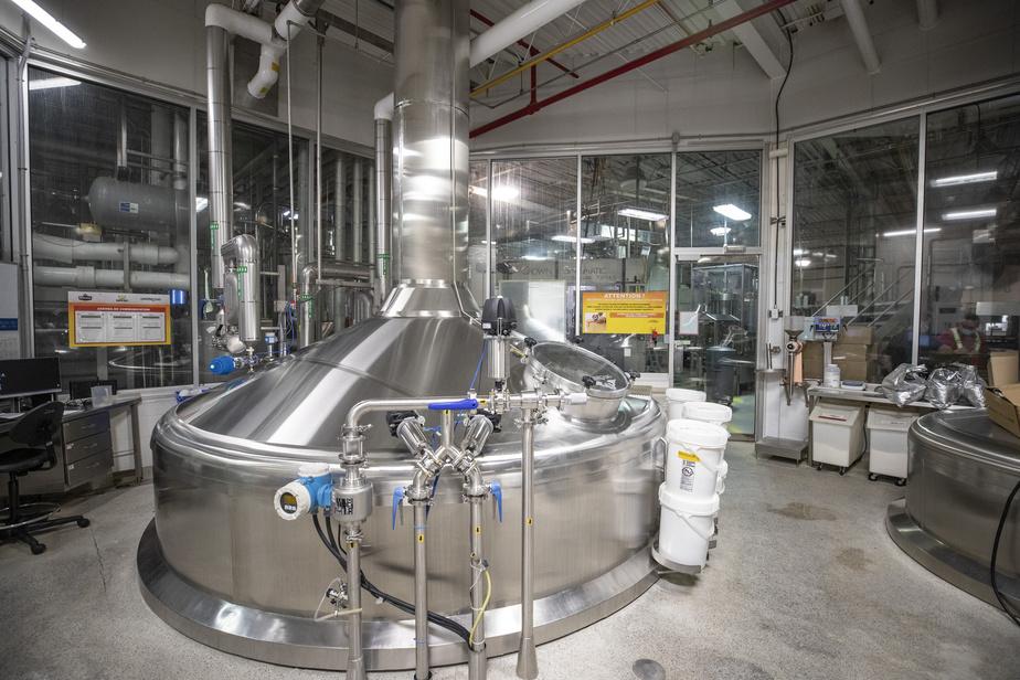 Pour le moment, environ 25% des 30recettes brassées sur place sont mises en canettes (acquises aux États-Unis, car il n'y a pas de fabricants locaux).