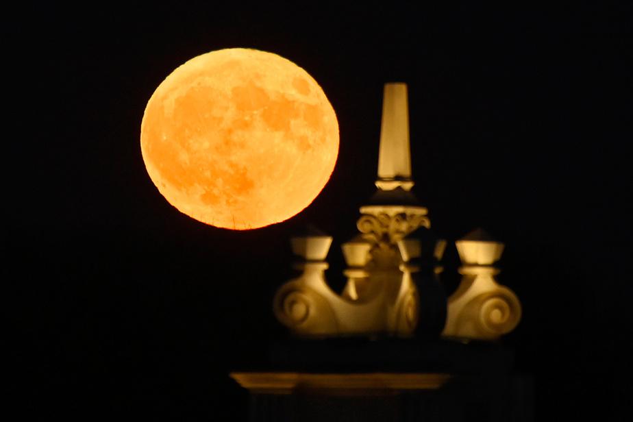 La pleine lune du 31octobre2020, soir de l'Halloween, était la seconde du mois d'octobre. La dernière fois que ce phénomène s'est produit, c'était il y a 76ans; la prochaine sera en 2039.