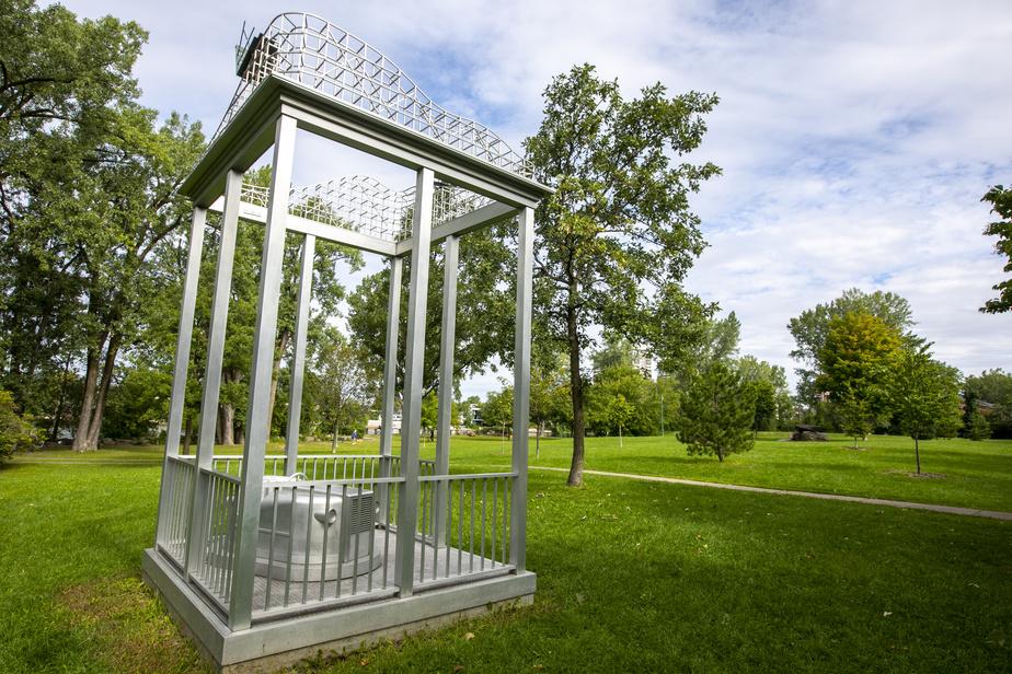 Juste avant de traverser à Laval par le pont Lachapelle, on passe par le parc Belmont.