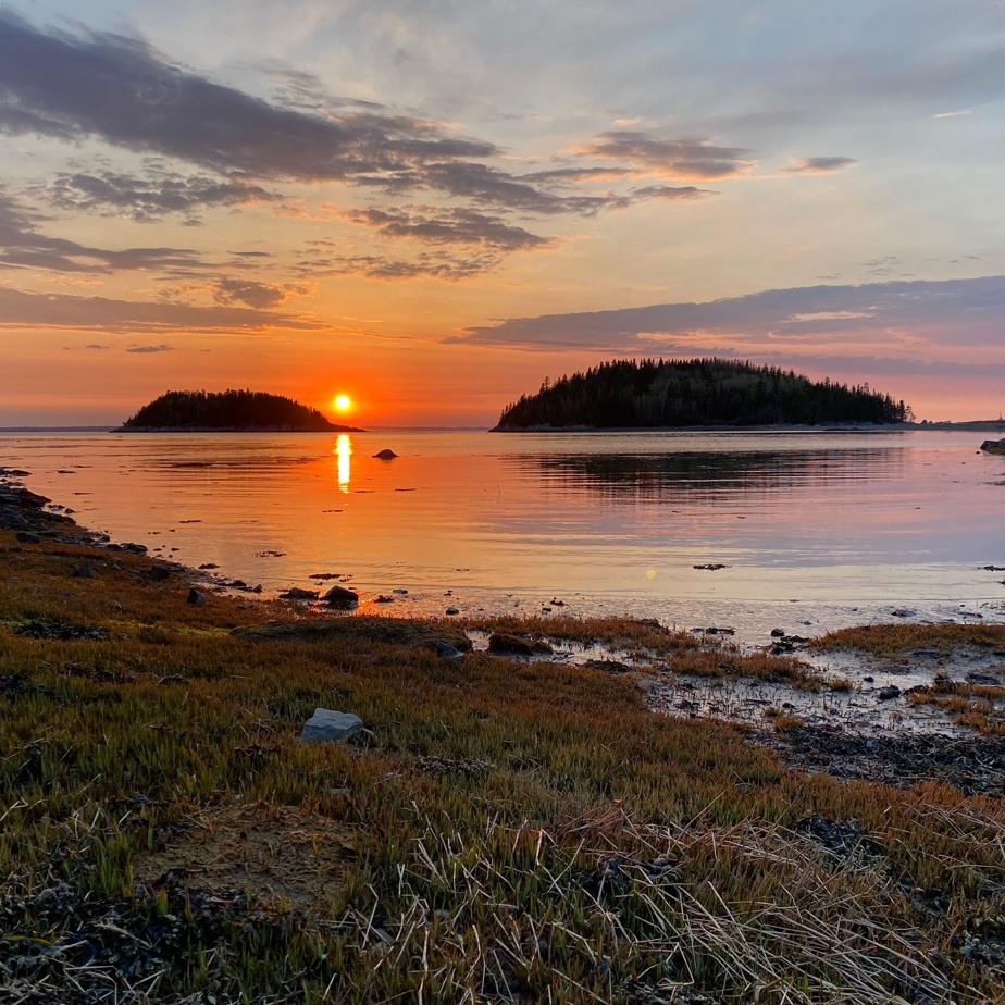 Pour de nombreux lecteurs, les plus beaux couchers de soleil au monde s'admirent au Bic.