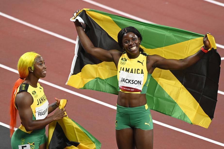 Shericka Jackson a décroché le bronze, puis son plus joli sourire à notre photographe.