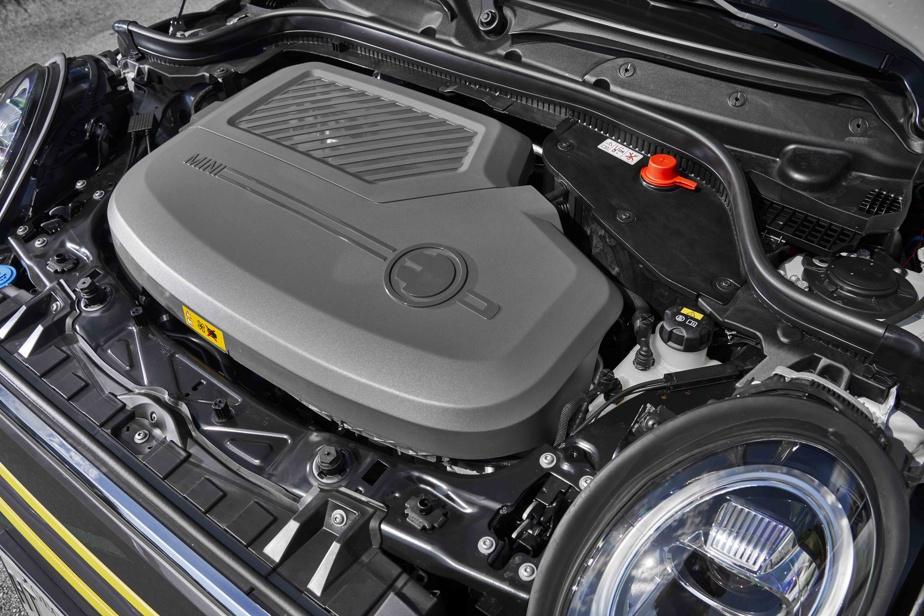 Le moteur électrique de la Cooper SE propose une puissance de 189chevaux.
