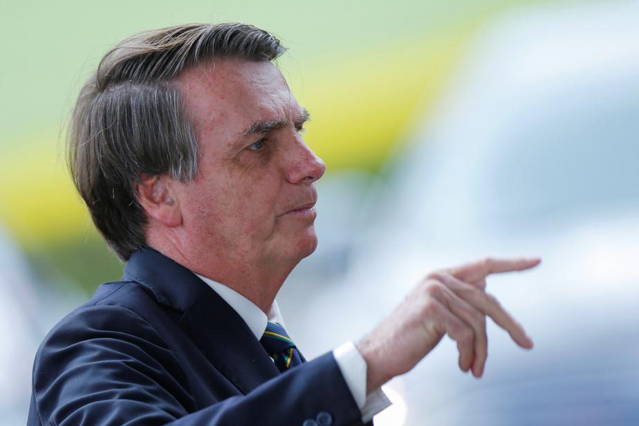Brésil : le président Jair Bolsonaro harangue des manifestants anti-confinement