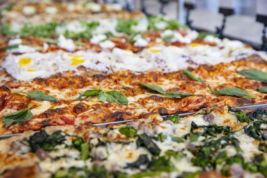 La mosaïque de pizza romaine chez Gigi's déli et pizza met en appétit.