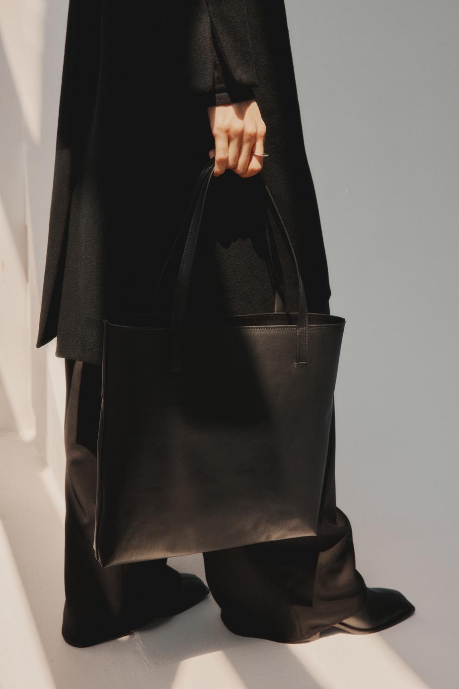 Le sac tote se détaille à 290$.
