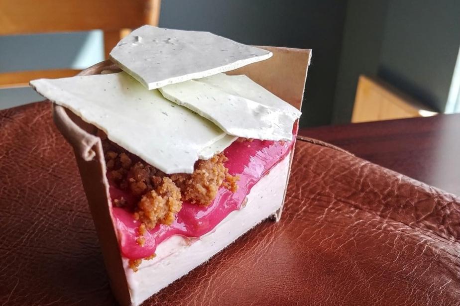 Panna Cotta au miel, rhubarbe, meringue au thym, par Charles Provost