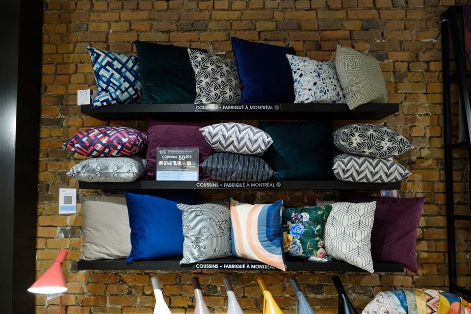 Tous les coussins sont fabriqués à Montréal, où la marque compte élargir sa production dès l'année prochaine.