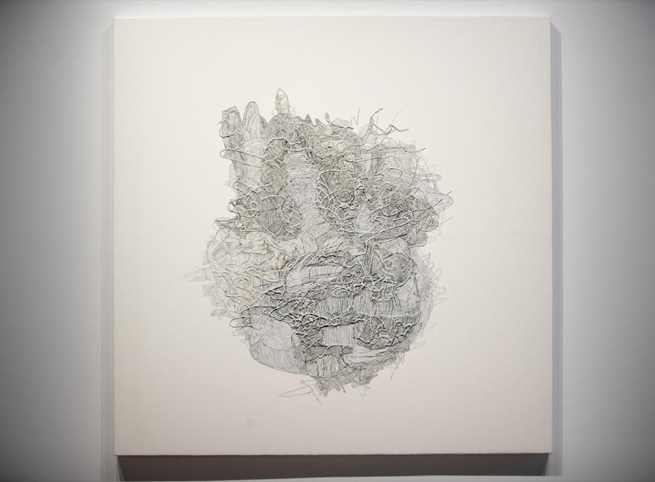 Surcharge en dérive, 2012, Julie Ouellet, peinture à la cire, graphite et acrylique sur bois, 122 x 122cm