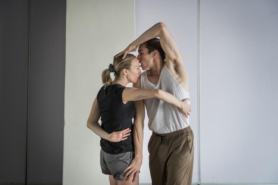 Les interprètes Daphnée Laurendeau et Danny Morissette en répétition pour la pièce La question des fleurs