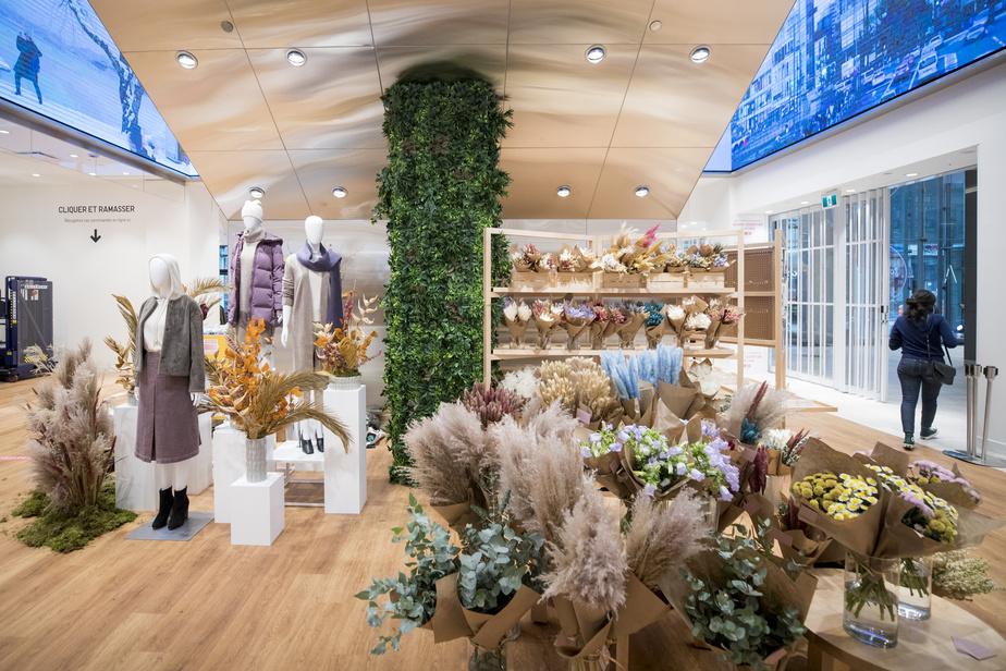 Situé à l'entrée du premier niveau dans le Centre Eaton, cet espace destiné aux entreprises locales sera occupé en alternance par diverses marques d'ici; jusqu'au mois prochain, on peut y découvrir les arrangements de fleurs et de plantes séchées de Bell Jar Botanicals.