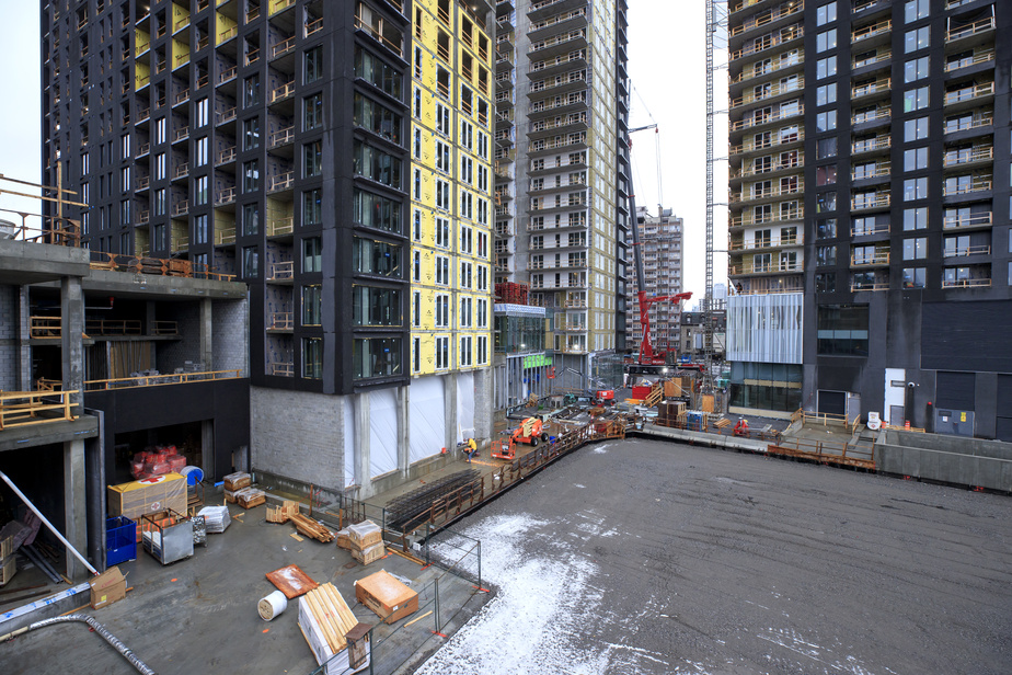 Le torchon brûle entre HRM et la Ville de Montréal. Le projet de construction de logements sociaux est au cœur d'une querelle. Les parties ne sont pas arrivées à s'entendre sur le prix de vente de l'édifice que HRM devait construire clés en main.