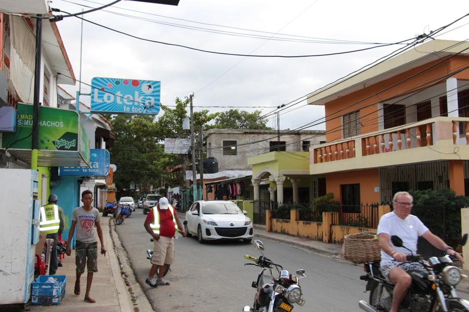 Scène de rue à Las Terrenas