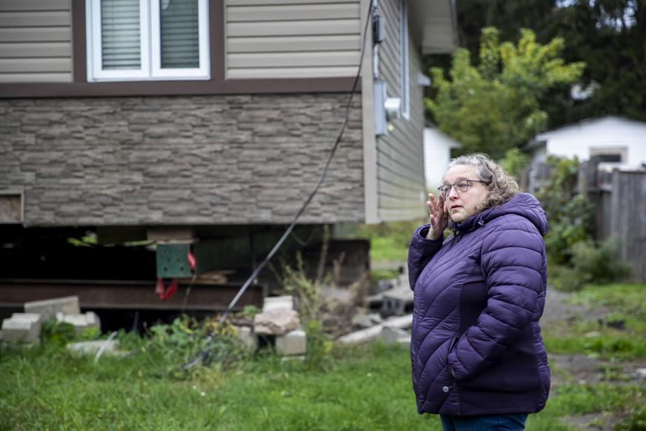Nathalie Quézel est émotive lorsqu'elle parle des rénovations de sa maison, qui ont tourné au cauchemar depuis les inondations de2019.