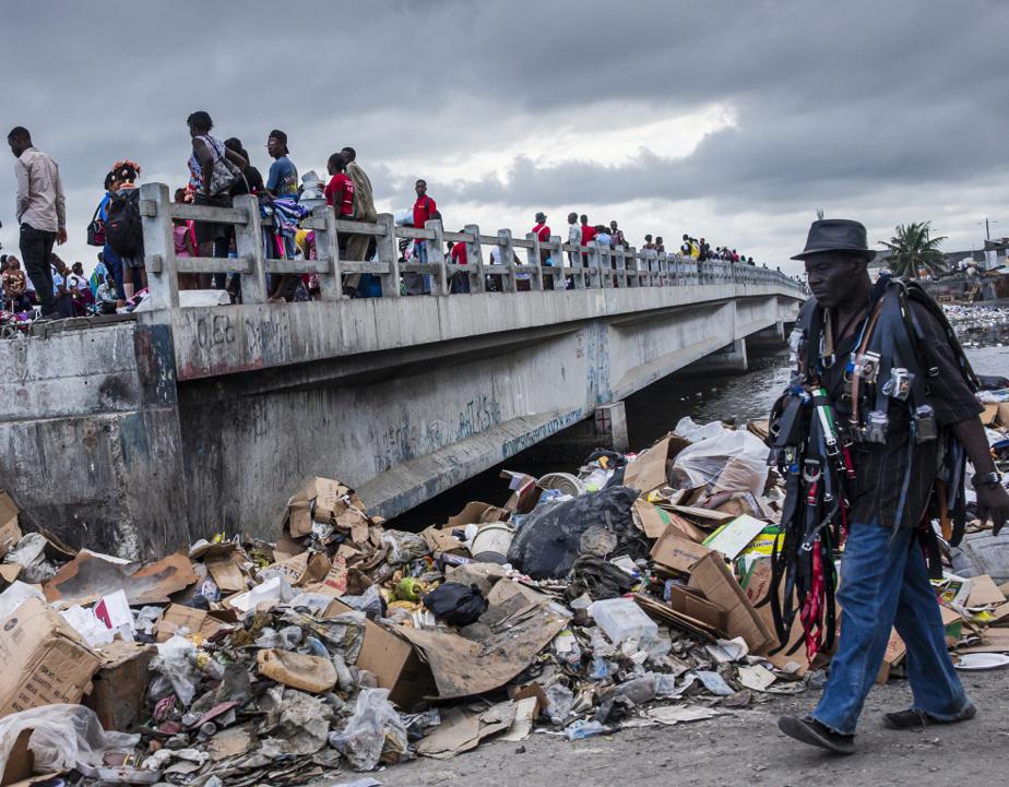 Un pont enjambant l'embouchure de la rivière du Haut-du-Cap, à Cap-Haïtien
