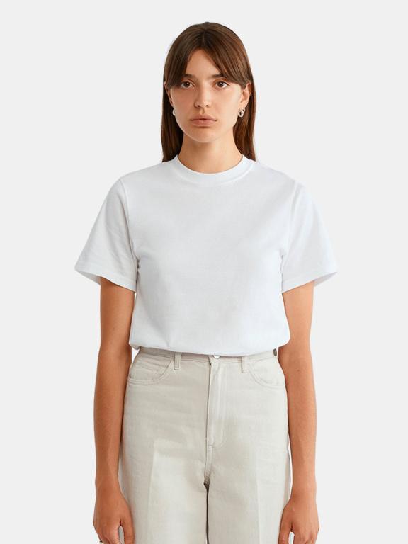 Le t-shirt Henri, de l'entreprise québécoise C'est beau