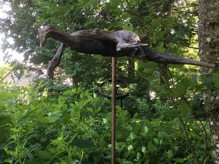Une des sculptures de Réjean Rousseau, créée avec des morceaux de racines.